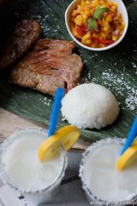 Przepis na tuńczyka z grilla z salsą z mango i rum a la Receta