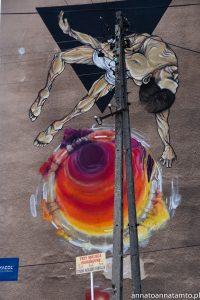 Murale Białegostoku Lewitujący mężczyzna