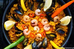 Paella marinera (paella z owocami morza)