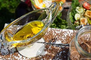 Złoty olej-olej lniany