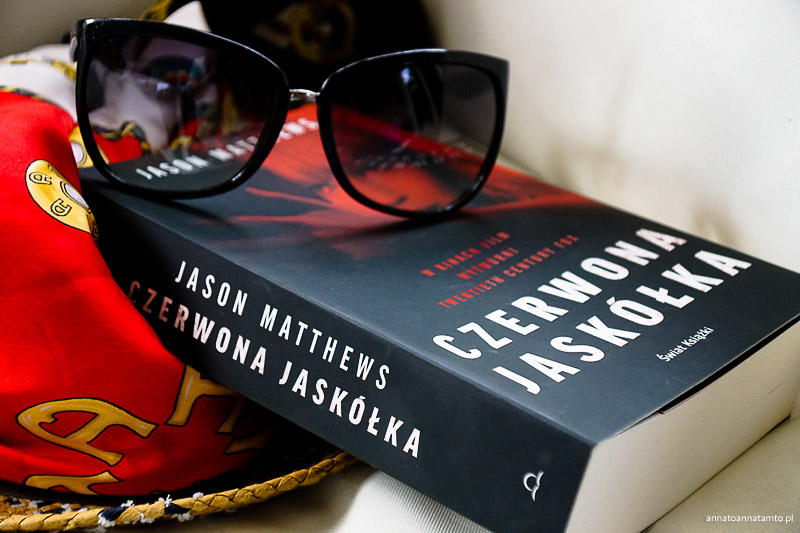 Czerwona jaskółka-książka