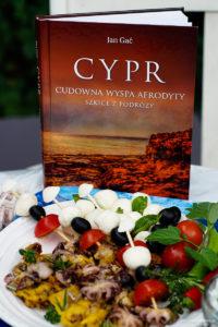 Książka o Cyprze