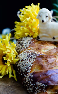 Południowoeuropejskie ciasta wielkanocne