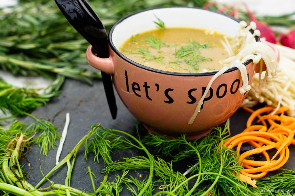 Zupa grzybowa z enokami